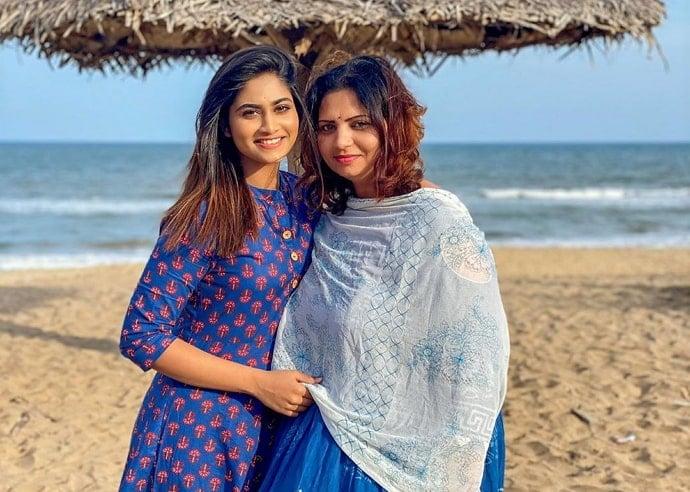shivani narayanan mother