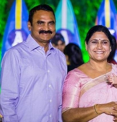 sneha reddy father & mother