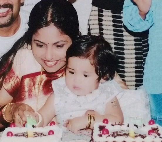 anikha surendran childhood photo