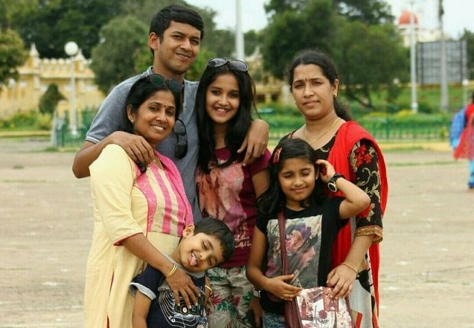 anikha surendran family