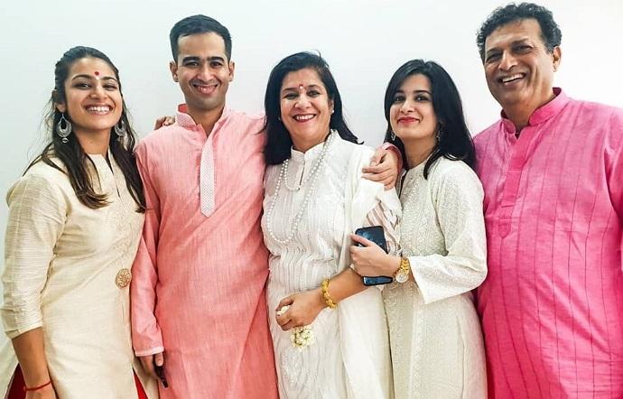 arushi chawla family