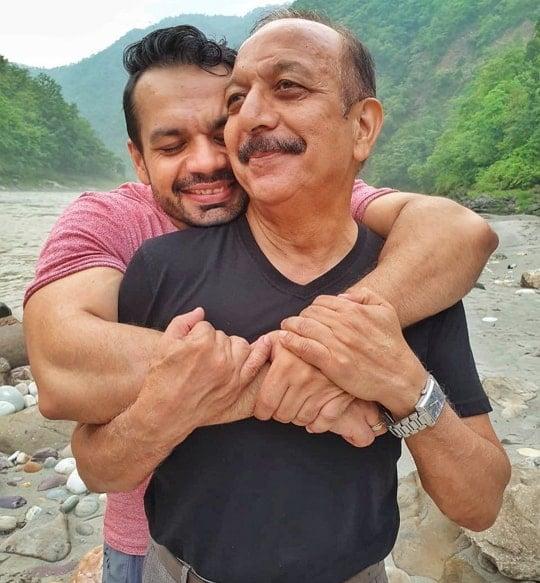 gaurav taneja father