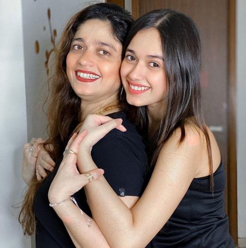 jannat zubair rahmani mother