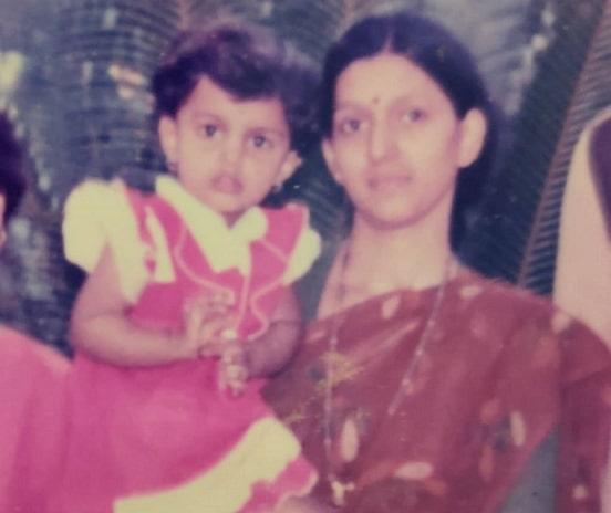 mayuri deshmukh childhood photo