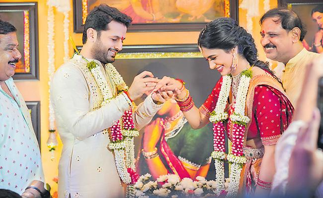 nithiin engagement photo