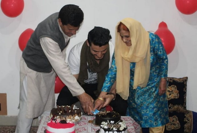 sakib khan family