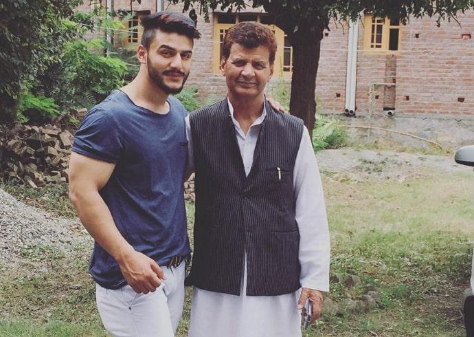 sakib khan father