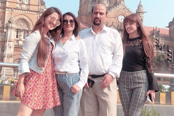 aalisha panwar family