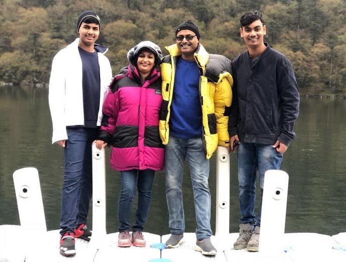 manoj sashidhar family