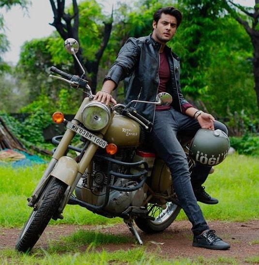 shagun pandey bike