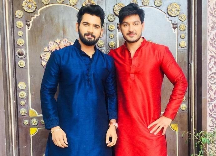 akhil sarthak brother