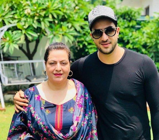 aly goni mother