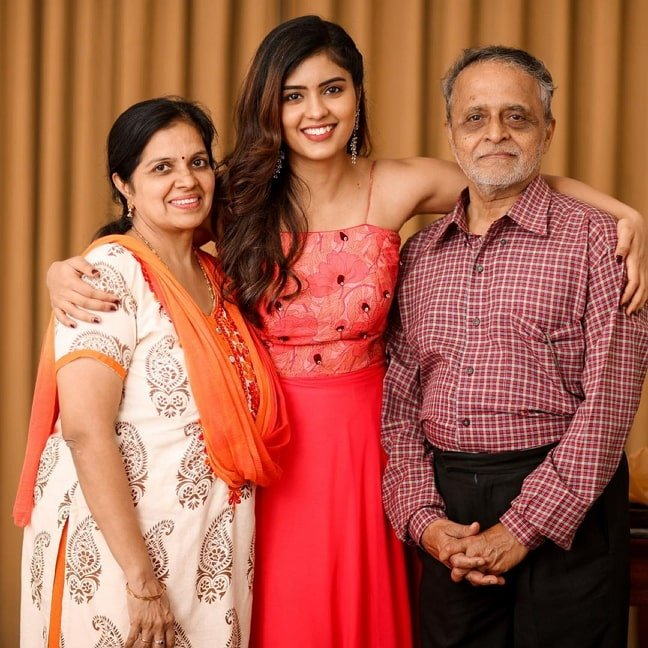 amritha aiyer parents