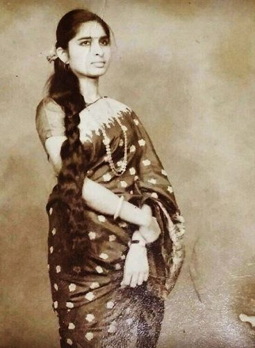 eijaz khan mother