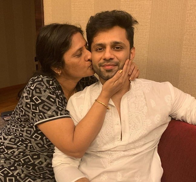 rahul vaidya mother