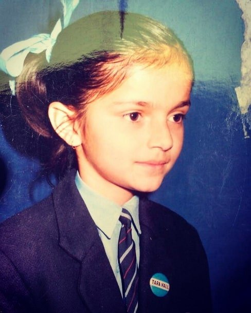 rubina dilaik childhood photo