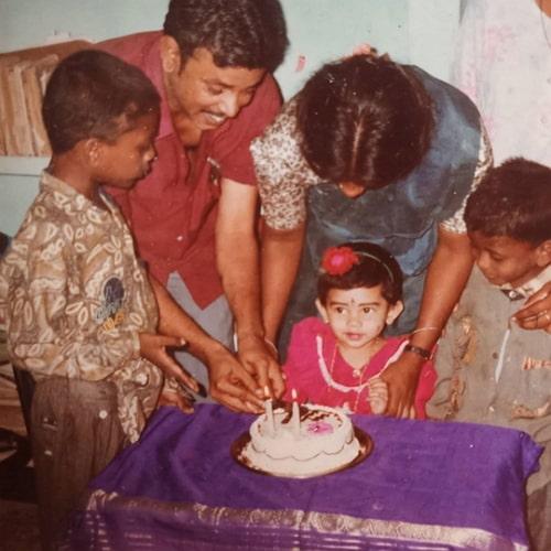anitha sampath childhood photo