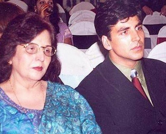 akshay kumar mother
