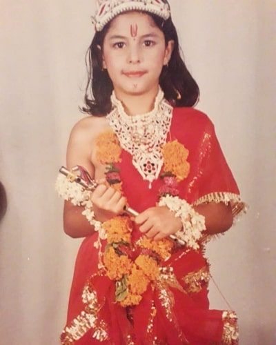 isha talwar childhood photo