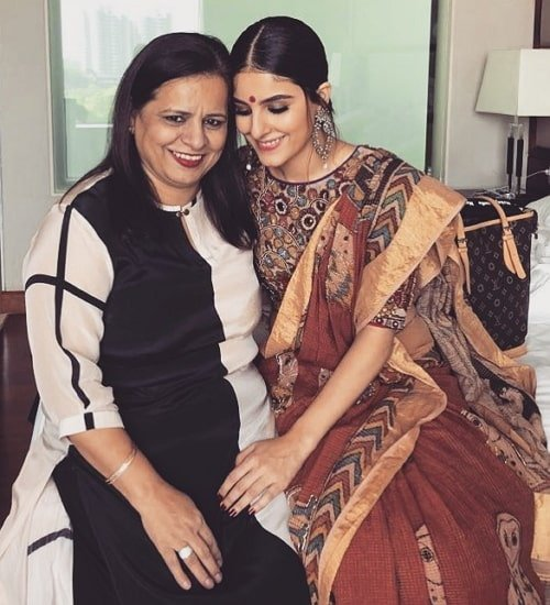 isha talwar mother