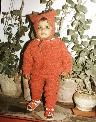 jitendra kumar childhood photo