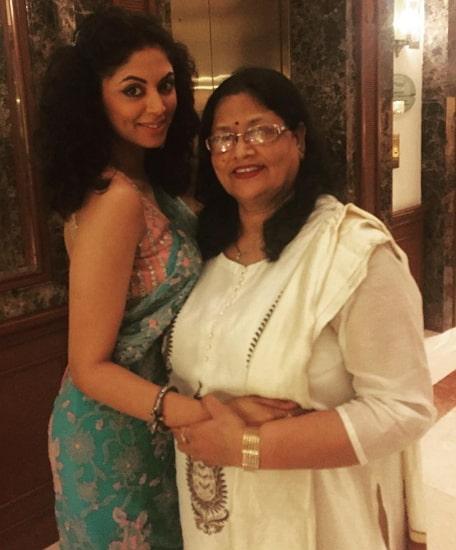 kavita kaushik mother