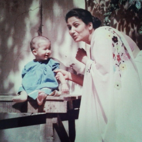 namita dubey childhood photo