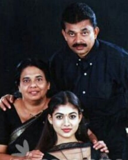 nayanthara father & mother