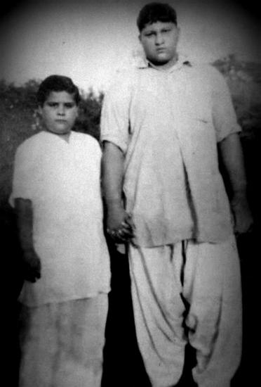 nusrat fateh ali khan childhood photo