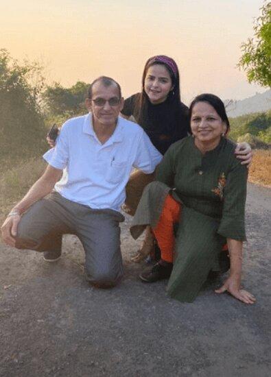 palak sidhwani father