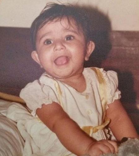 poonam bajwa childhood photo