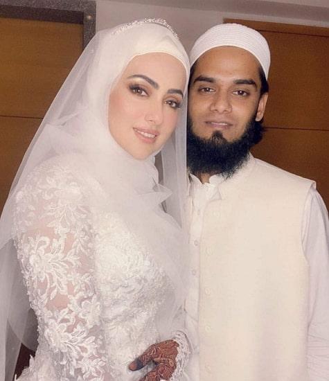 sana khan husband