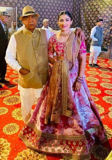 sangeeta phogat father