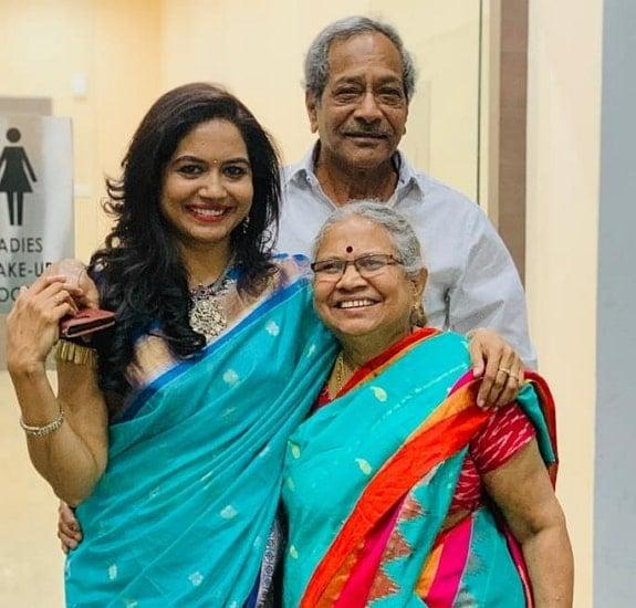 sunitha upadrashta father