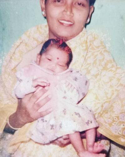 anuradha khaira childhood photo