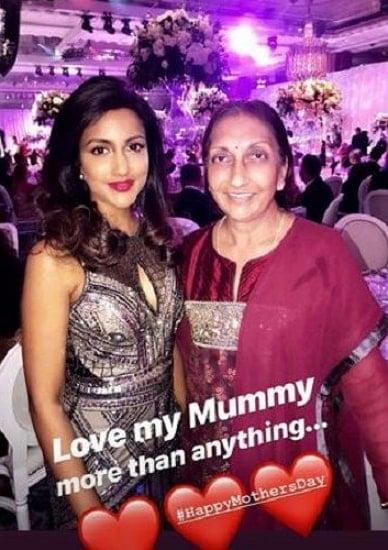avina shah mother