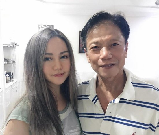 chloe ting father