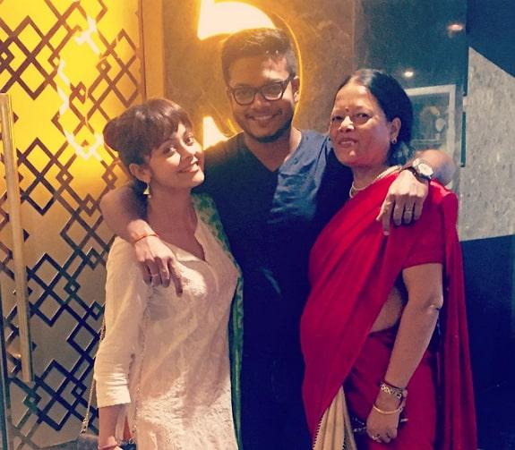 devoleena bhattacharjee family