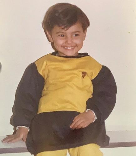 ginni kapoor childhood photo