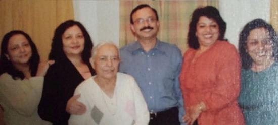 madhu chopra father & mother