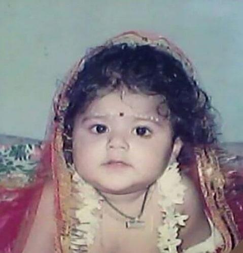 pallavi mukherjee childhood photo