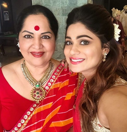 shamita shetty mother