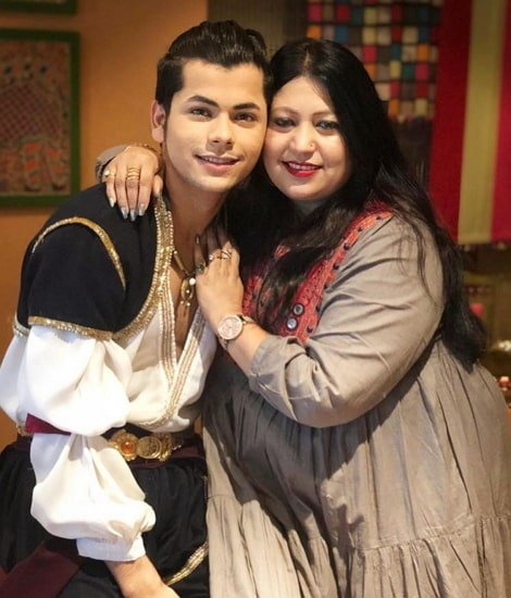 siddharth nigam mother