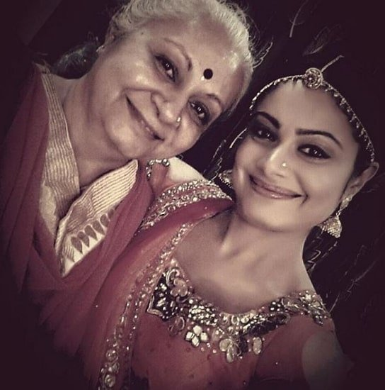 toral rasputra mother