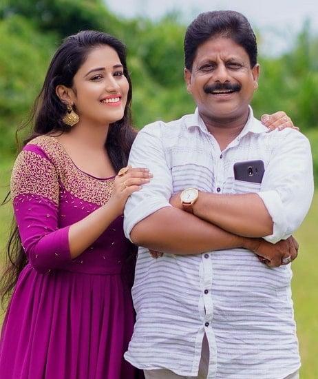 anumol rs karthu father