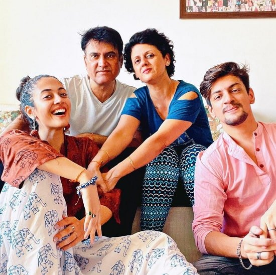 aditi sharma family