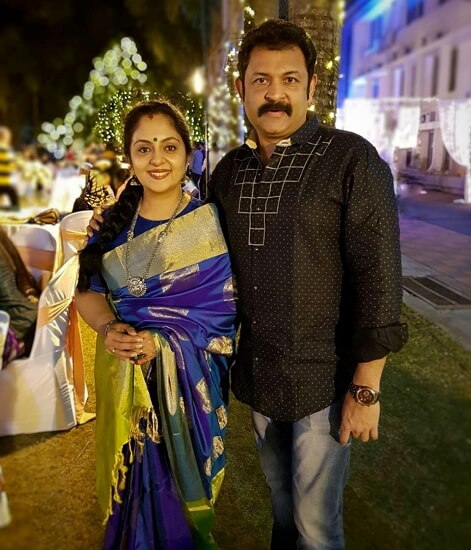 ahaana krishna parents