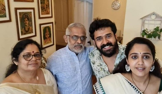 ananya family
