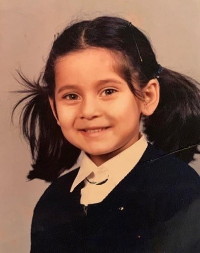 anusha dandekar childhood photo