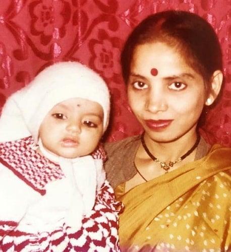 deepika singh childhood photo